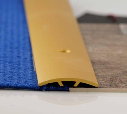 Nahtdeckschiene in Alu gold eloxiert, 3 cm breit